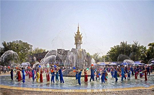 Family Vacation China Tour - 15 Day Tour of Beijing, Xian, Kunming, Dali, Lijiang, Zhongdian, Xishuangbanna, Kunming