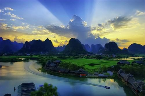 Golden Route China Tour  - 12 Day Tour of Beijing, Xian, Guilin and Shanghai